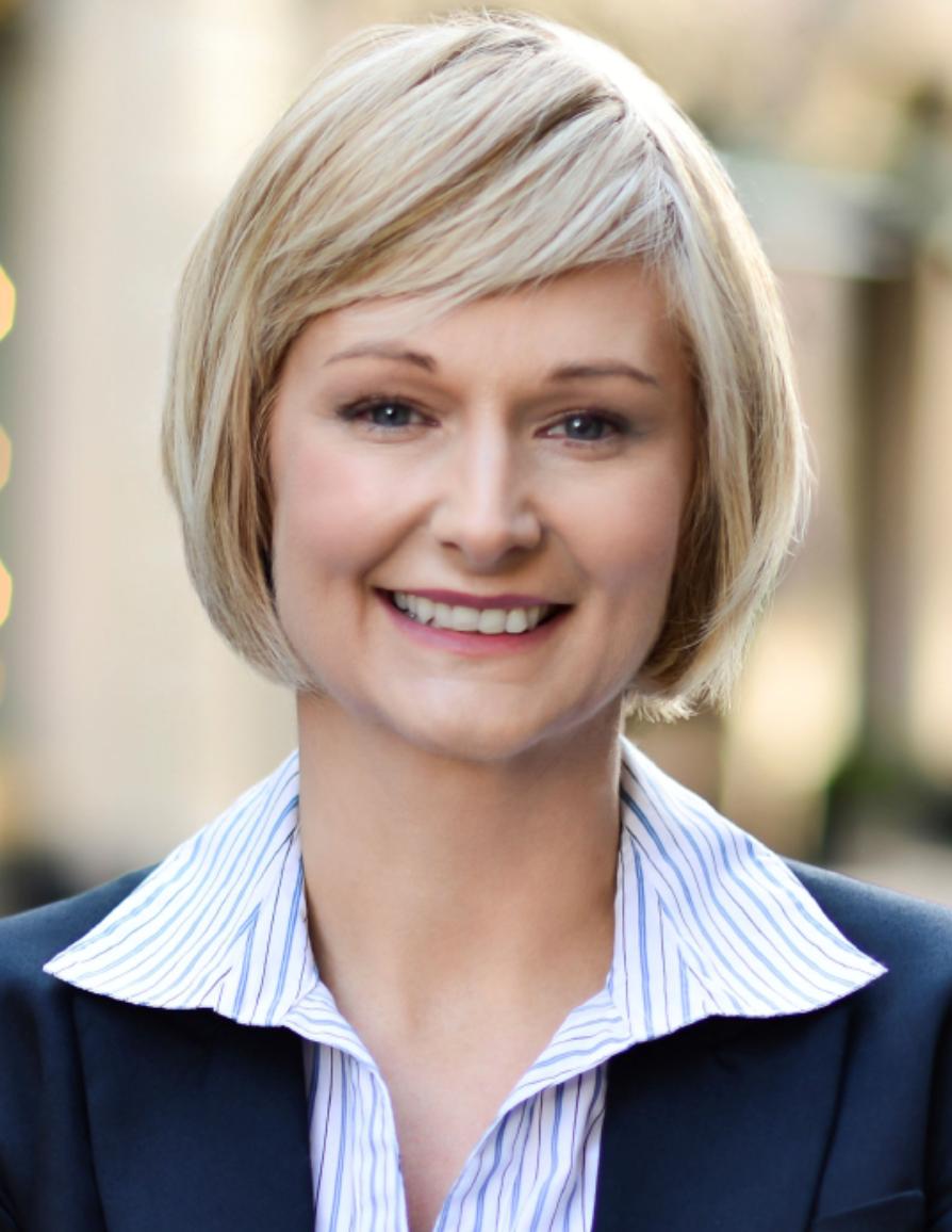 eAdviser Microsoft:  Emily Jones