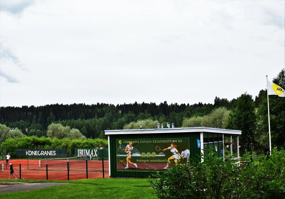 tenniskenttä