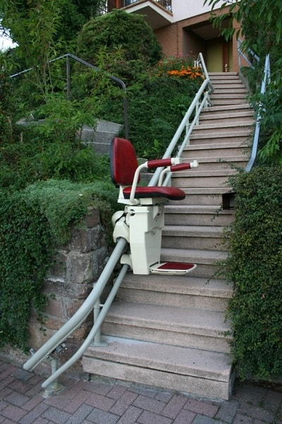 Hawle External stairlift for curved stairs