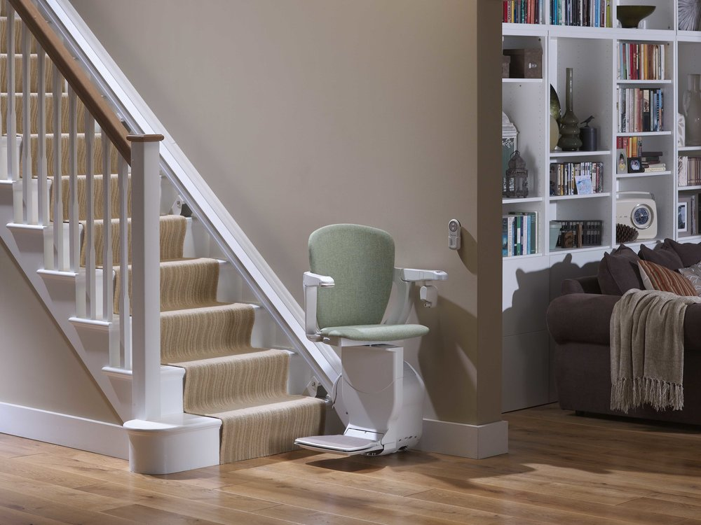 stannah-600-straight-stairlift-swivelled-downstairs.jpg