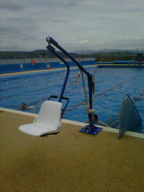 bluone_F145_pool_lift.jpg