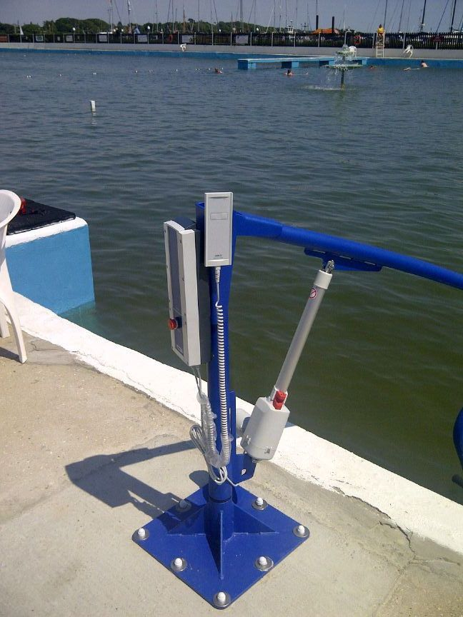 lymington-disabled-access-pool-hoist.jpg