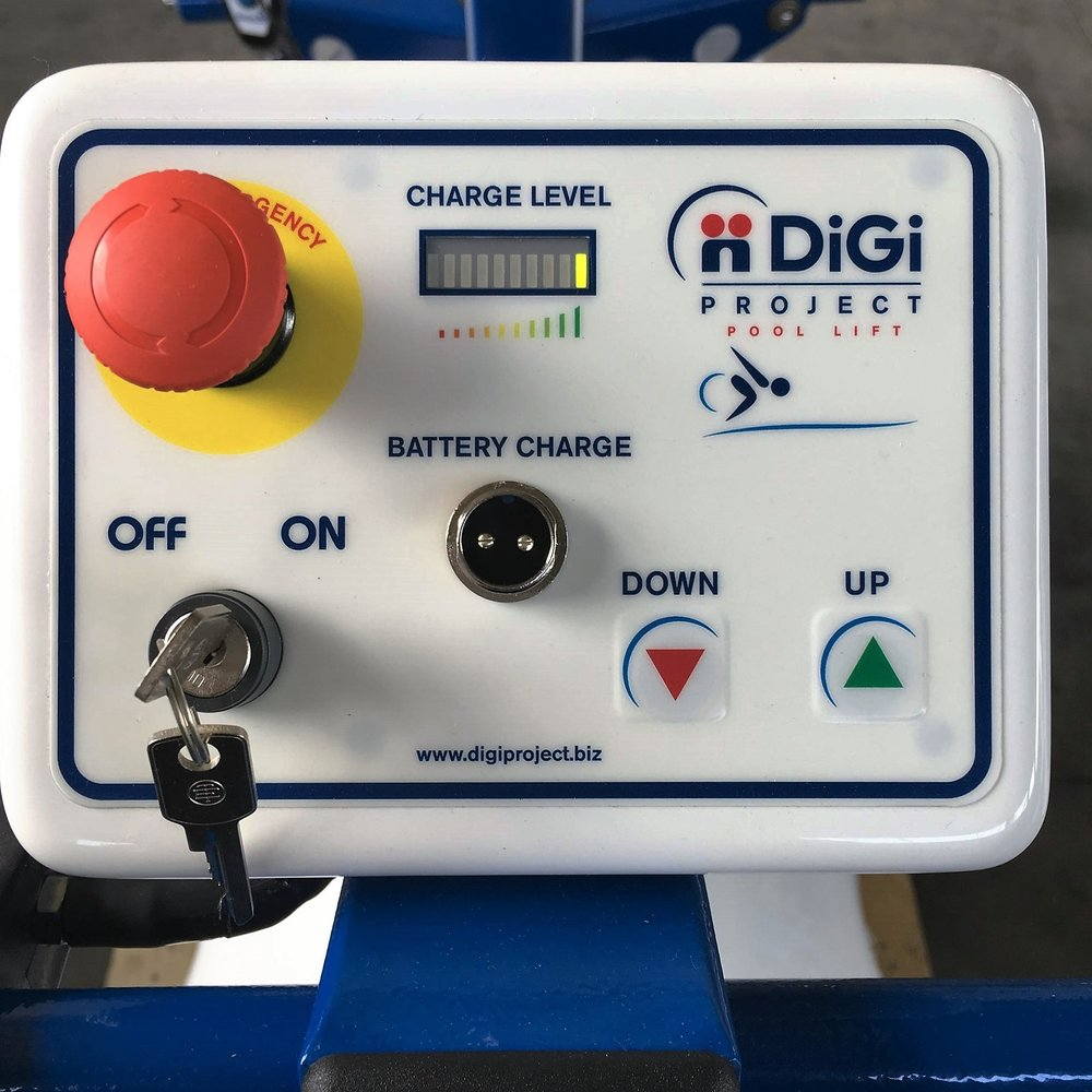 blupool-pool-lift-control-panel.jpg
