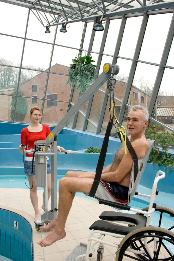 handi-move-pool-lift-wth-seat-sling.jpg
