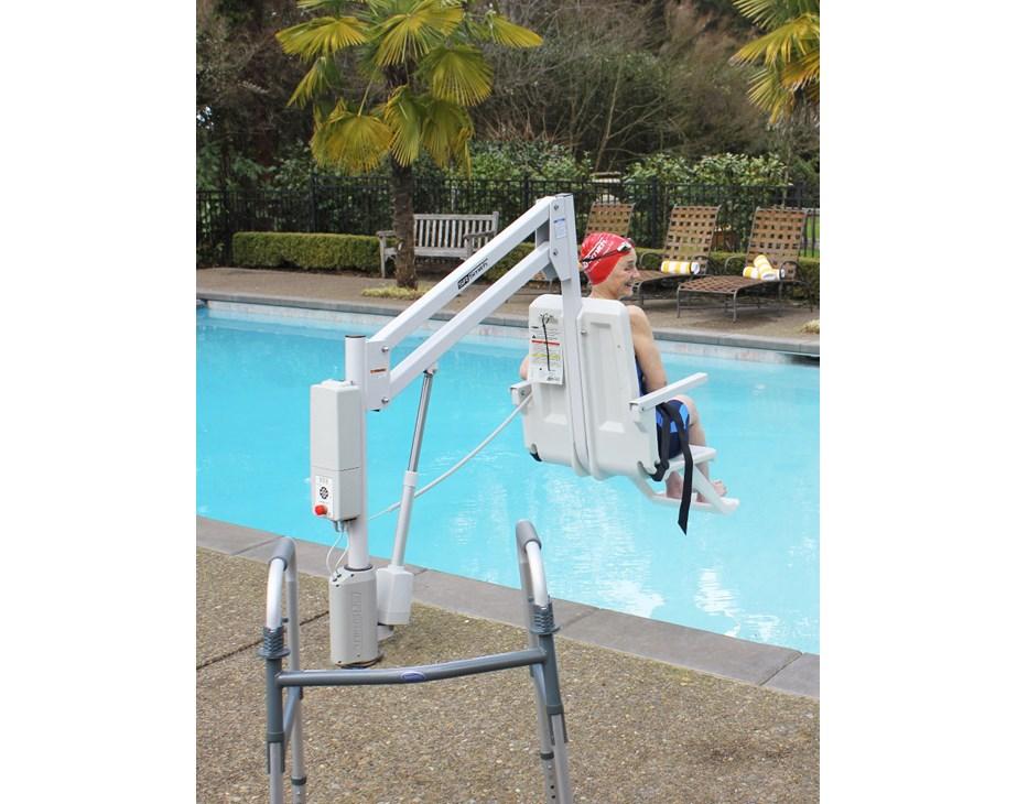 aXs 2 Pool Hoist