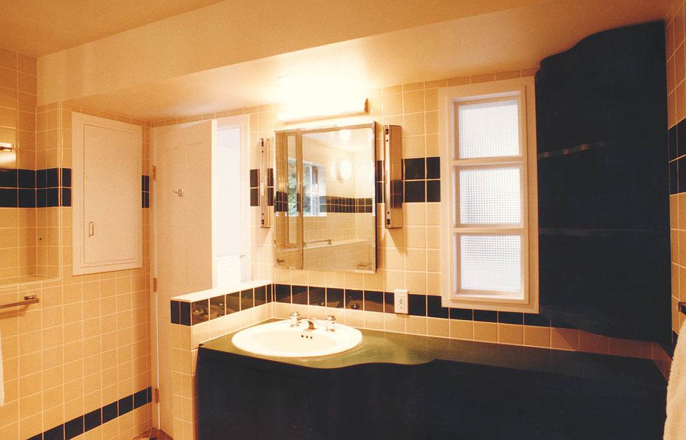 0013 BathSink.jpg