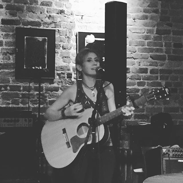 Great time last night at @giuliamillanta show in the #eastvillage #nyc Another talented #italian #singersongwriter 😉🎼🎸Great #guitarplayer btw! #music #livemusic #performing #italy #fun #beautifulnight #songs