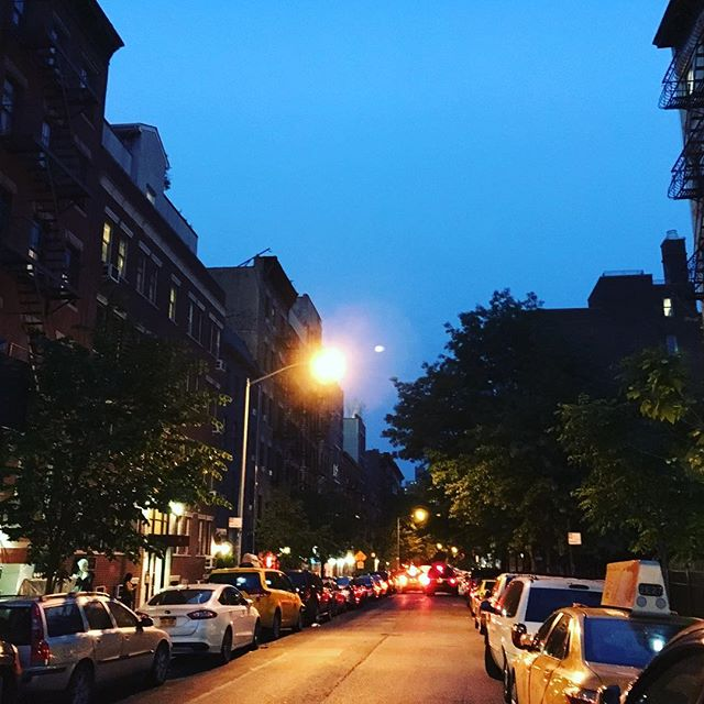 #eastvillage my old neighborhood, so many memories 😊I haven't been back in so long #nyc #beautifulnight #nightout #musicianlife #music #newconstruction 😏#walking #lifeisgood #lifeisbeautiful #adventureculture #adventureinthecity #beauty #lookingaround