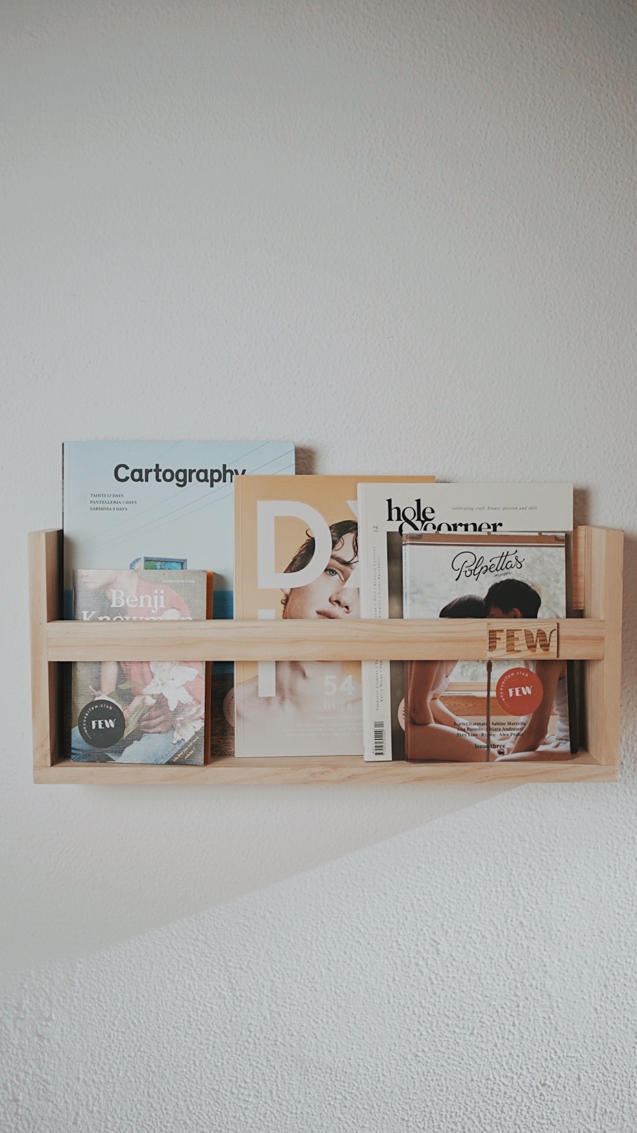 FEW - Independent magazines subscription box