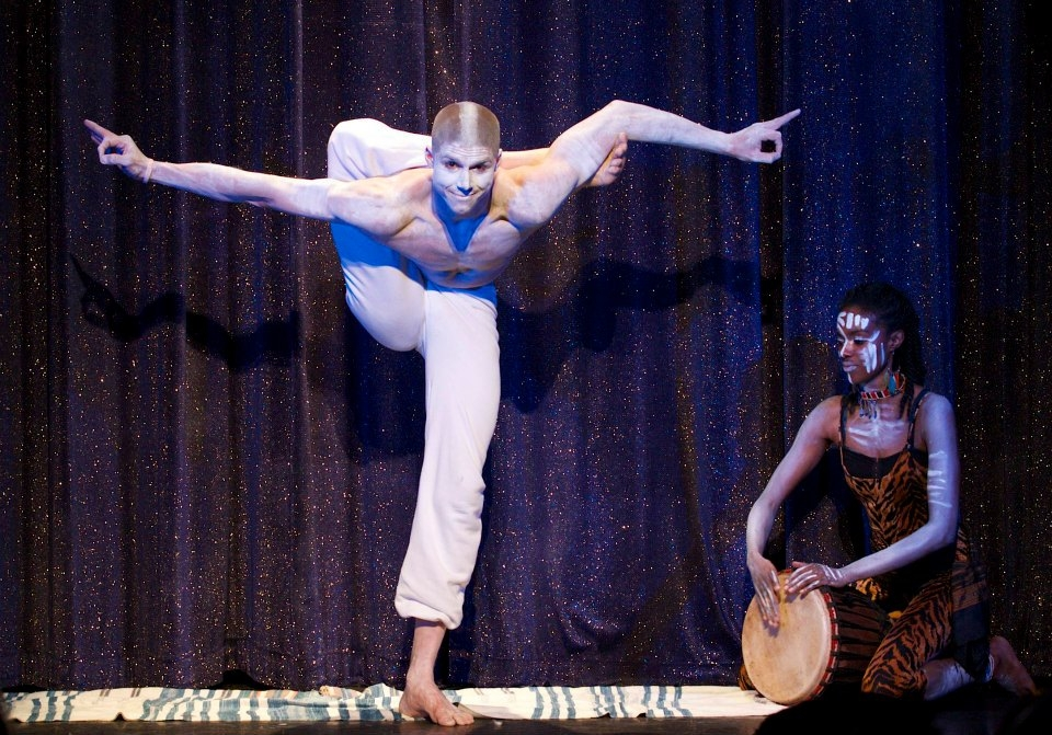 Felix & Diahann  - Be transported to another world as Felix weaves his body into incredible forms to awaken and inspire.