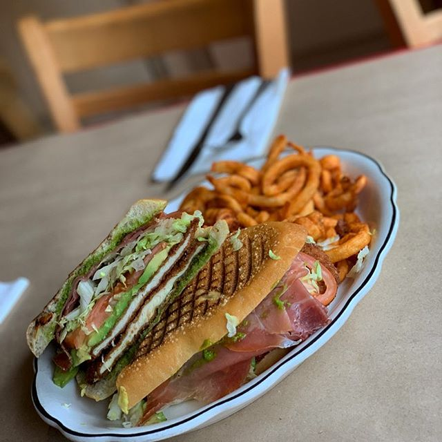 Lunch time!!!! #prosciutto #panini #joeandpats #nyc #lunchtime