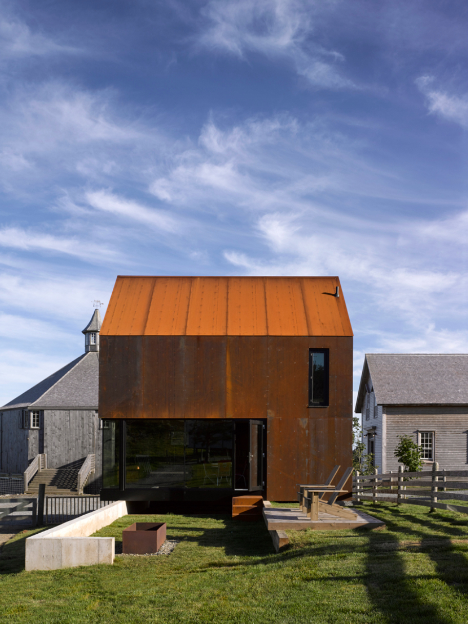 Enough House by MacKay-Lyons Sweetapple Architects