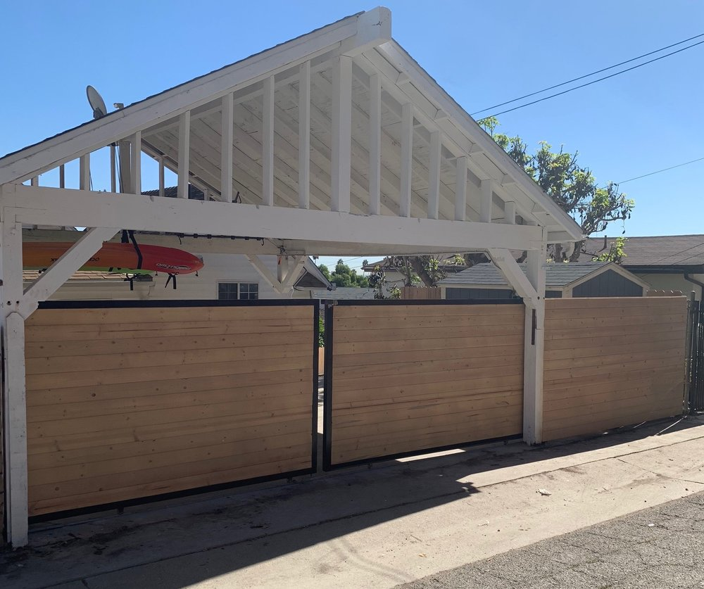 Horizontal Driveway Gate Los Angeles Fence Builders.jpeg