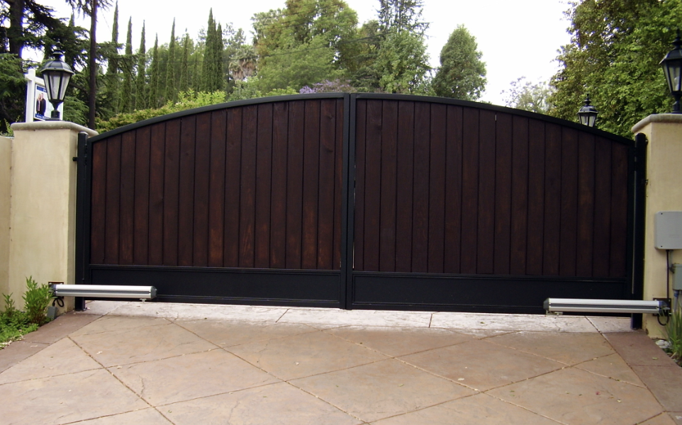 Automatic Driveway Gate - Los Angeles Fence Builders.png