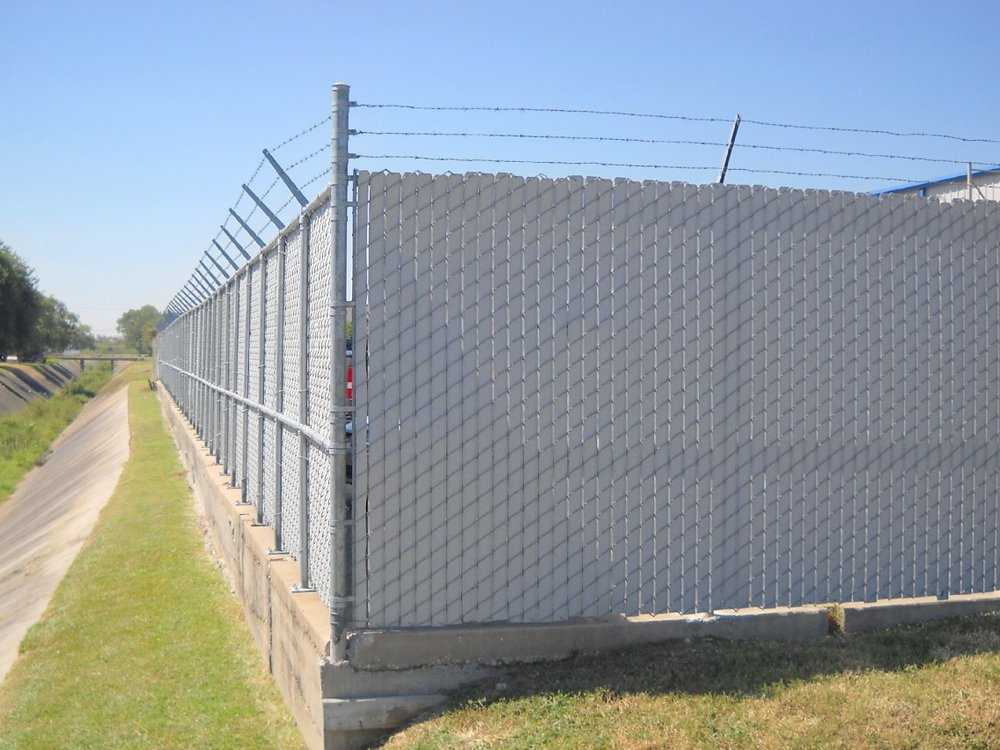Privacy+Chain+Link+-+Los+Angeles+Fence+Builders.jpg