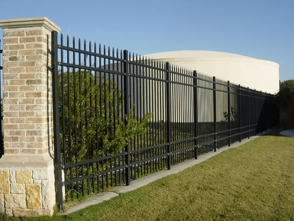Commercial+Wrought+Iron+Fencing+-+Los+Angeles+Fence+Builders.jpg