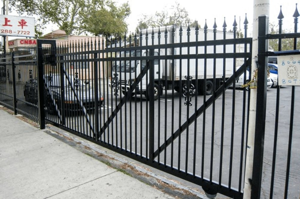Commercial+Security+Gate+Los+Angeles+Fence+Builders.jpg