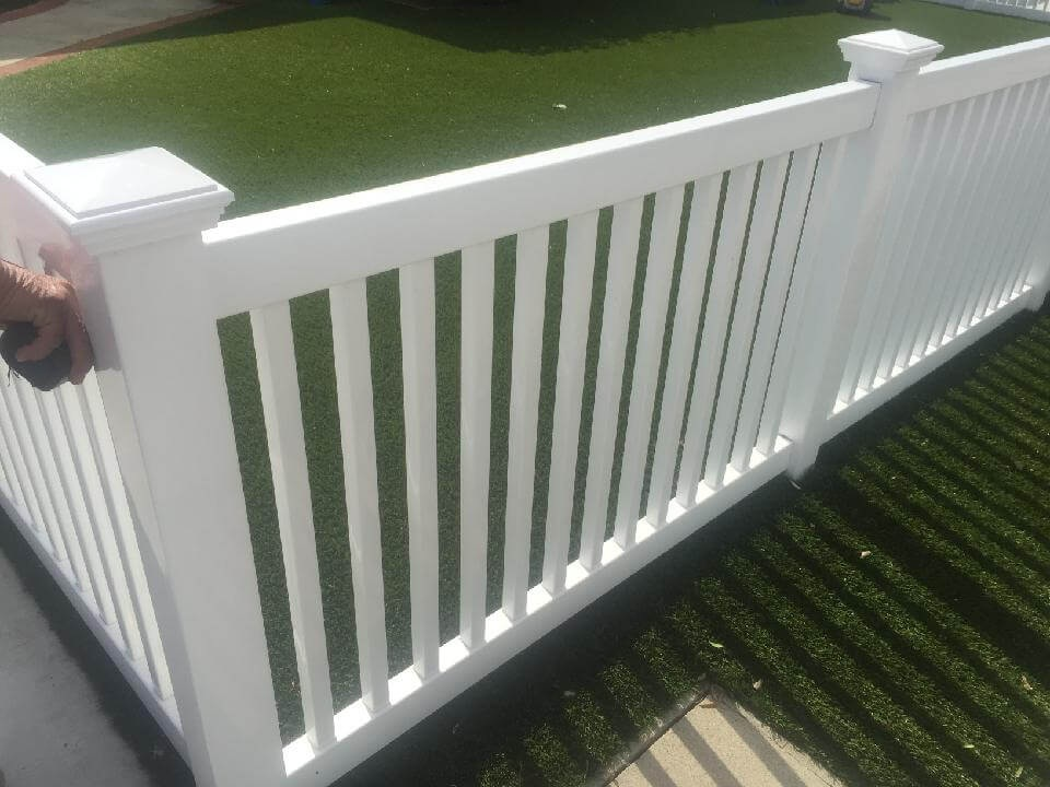White+Vinyl+Picket+Fence+-Los+Angeles+Fence+Builders.jpg