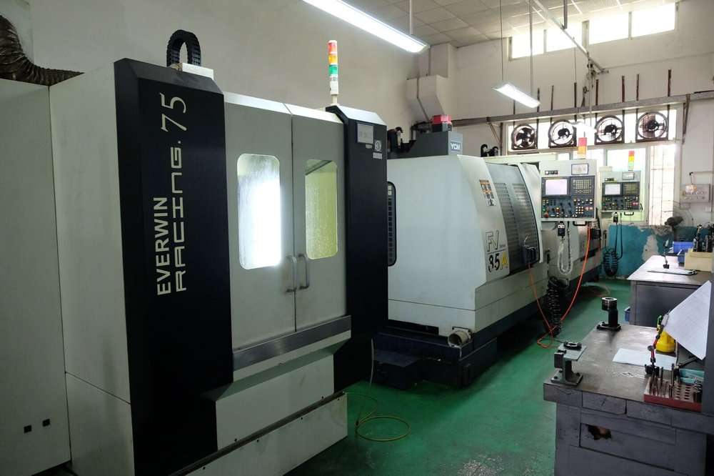 Hi-Speed Vertical Machining Center