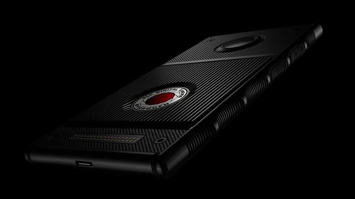 red-hydrogen-one-smart phone