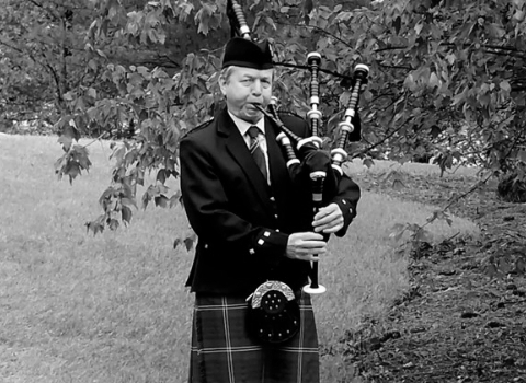 Tom Crawford, bagpiper at the House of Piping
