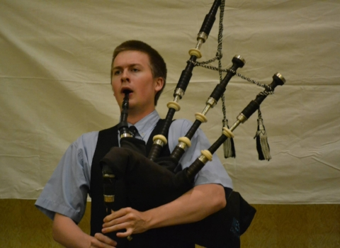 Alasdair Martin, bagpiper for hire