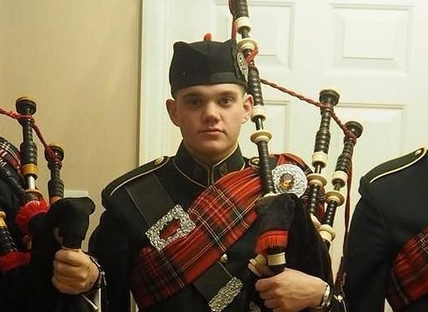 Hugh Deery, bagpiper for hire