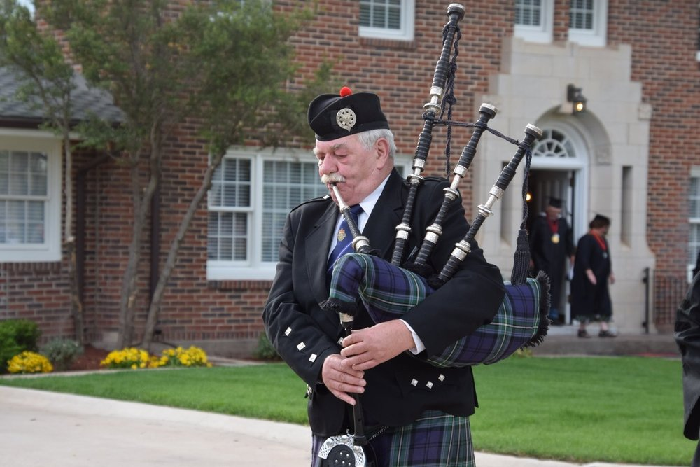 Ian Briggs, bagpiper for hire