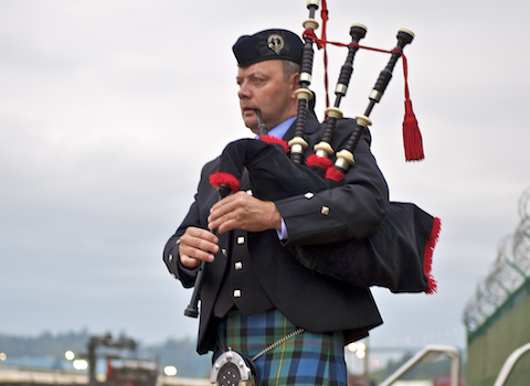 mike_chisolm_bagpiper