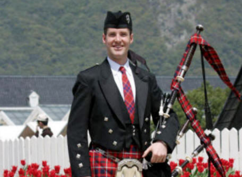 Graham Batty, bagpiper for hire