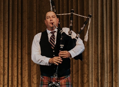Alastair Briggs, bagpiper for hire