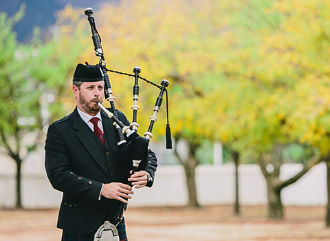 gareth_rudoph_bagpiper_for_hire.png