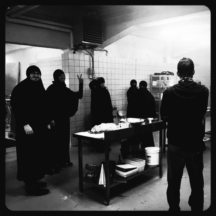 Kagefabrikken, Pilot, 2017 - Instr. Christian Lollike, Sort/Hvid - DIT