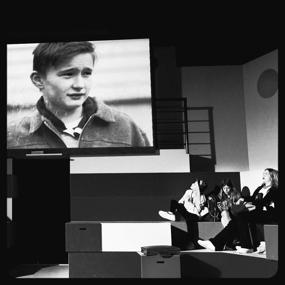 Lars Ole, 5.c, teatervideoer, 2016 - Instr. Nils Malmros,AFV - Lyddesign