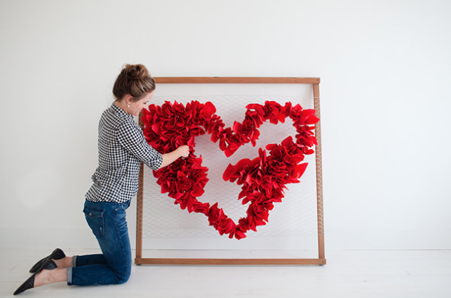 HEART BACKDROP - Source: Little Peanut MagWhen it comes to festive photographs, the first thing you think of is a beautiful themed backdrop. We absolutely love how grand this heart backdrop's impact is, and how surprisingly easy it is to create! Make a huge statement in your photographs with this stunning DIY backdrop.
