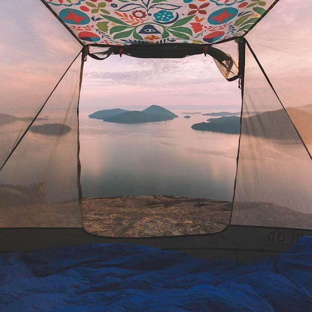 What did you get up to this weekend? ⛺️🏔🔝 📸: @adventureuben #weekendvibes #keepexploringcanada #explorebc