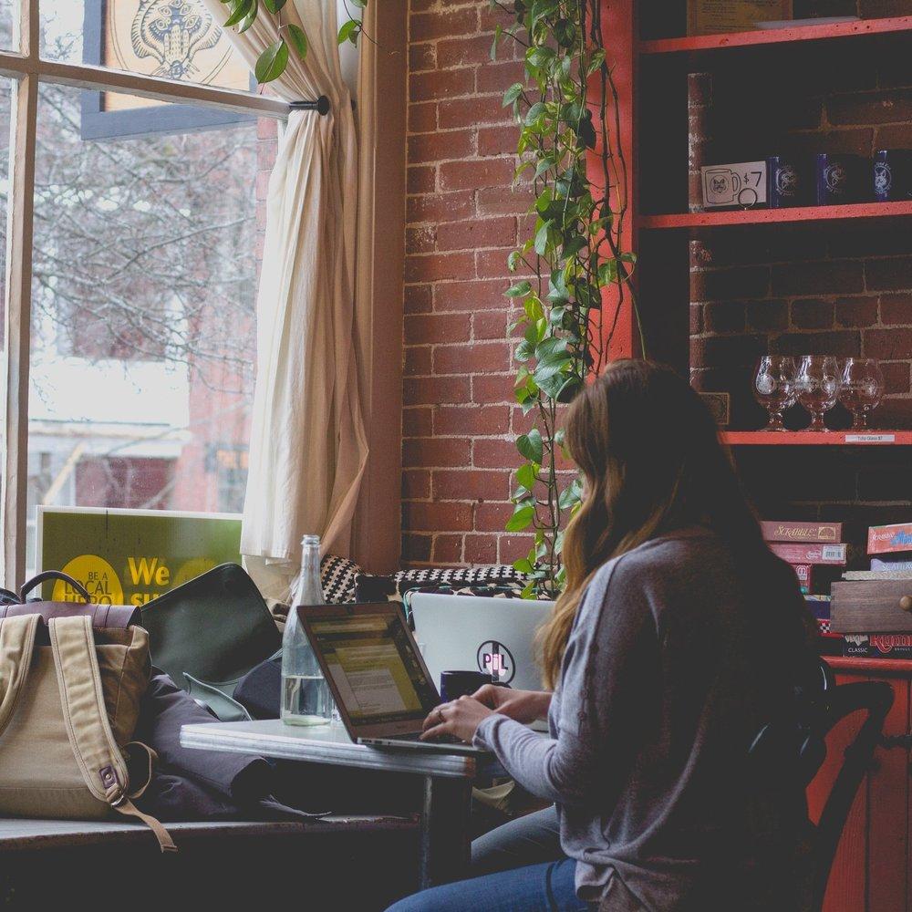 five-ways-to-pull-off-a-successful-all-nighter_www.callmeharlot.com.jpg