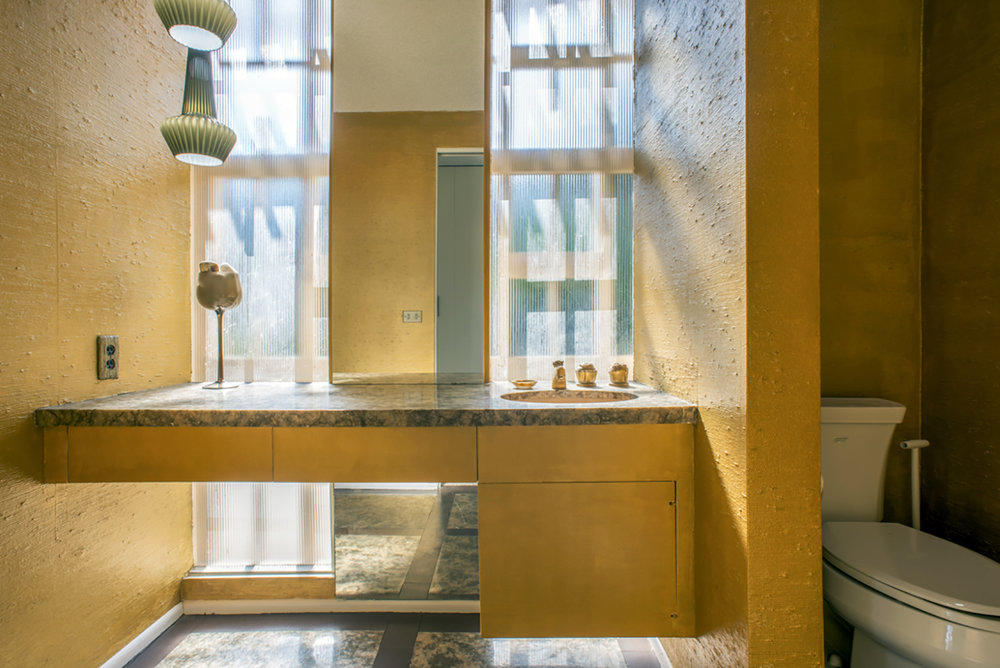 glasswallbathroom.jpg