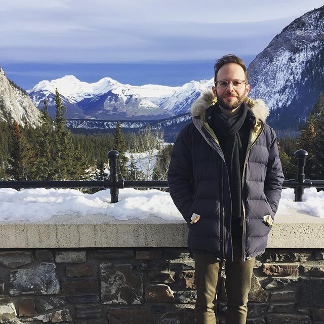 Sure, Banff has superlative picturesque scenery, and an extensive network of walking paths, and surprisingly decent coffee, but, uh...  . Anyways, thanks to @devomurphy for the pic and for tolerating my touristic fancies. #banff #banffsprings #surprisinglysatisfyingstereotypicaltouriststuff
