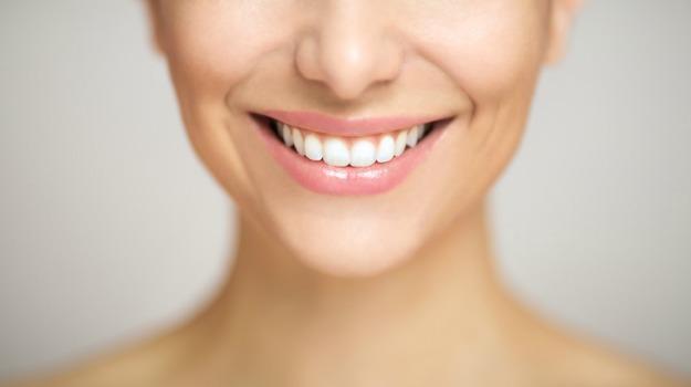 teeth-white_625x350_71456471531.jpg