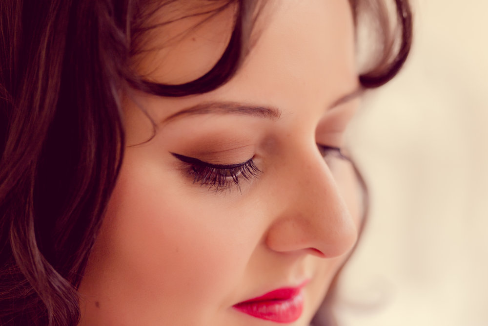 Vintage bridal makeup by Branch Out Makeup. Image by Twig's Branch Photography.