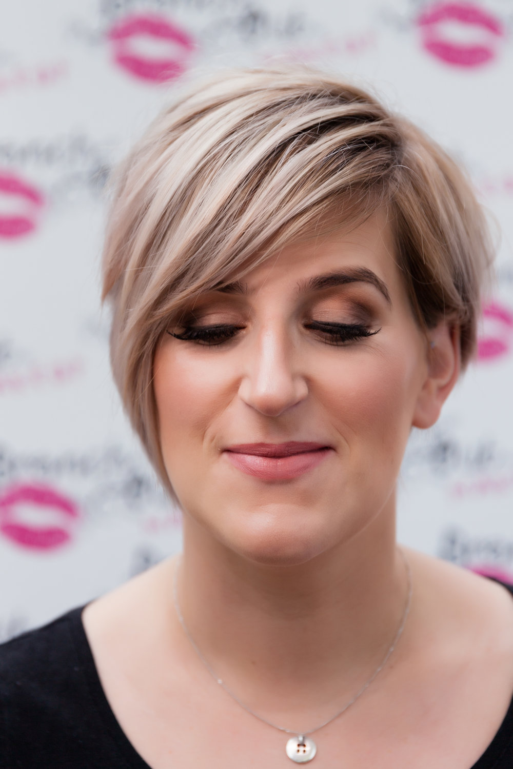 SPECIAL OCCASION MAKEUP - Suitable for a variety of occasions including birthdays, anniversaries, black tie events, hen parties & proms)£35 per personOptional strip/false lashes (full or half) £5 per person