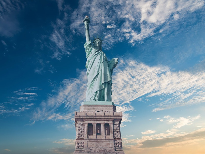 New York - AUGUST 10 - 18