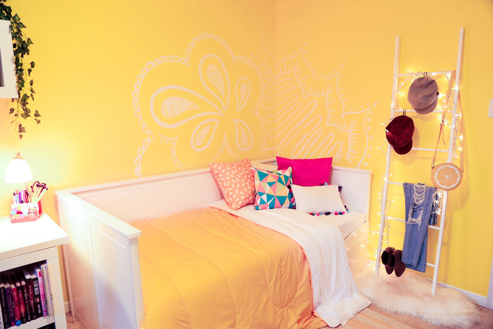 A YELLOW BEDROOM MAKEOVER ft. Adelaine Morin — The Sorry Girls