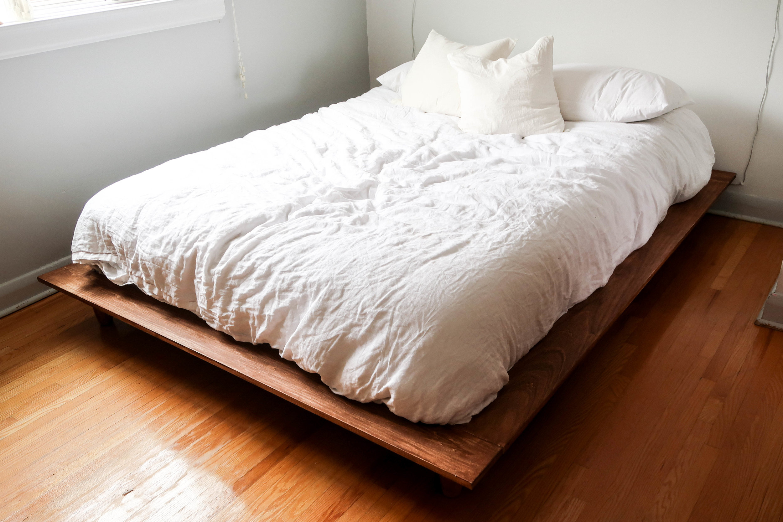 Picture of: Building A Platform Bed The Sorry Girls