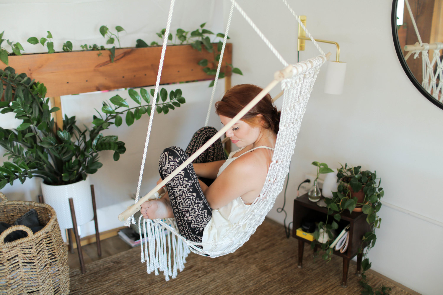Diy Hanging Macrame Chair The Sorry Girls