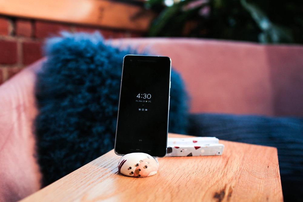 GiftWeek_PhoneStands-3.jpg