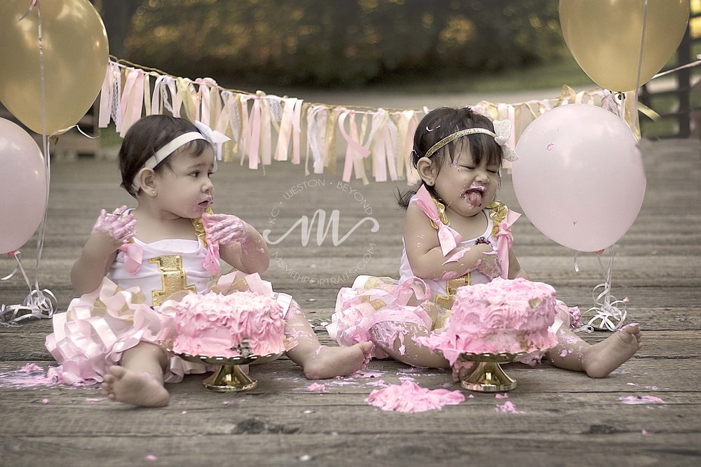 Pink and gold cake smash picture