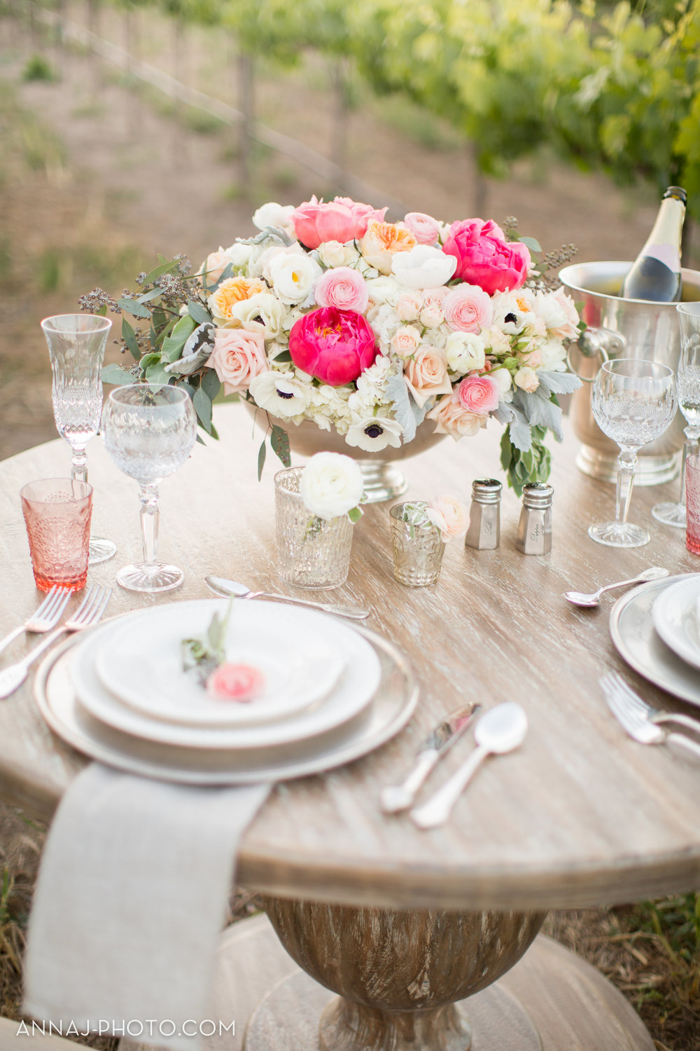 Romance Styled Shoot at Sogno del Fiore - by Nicole