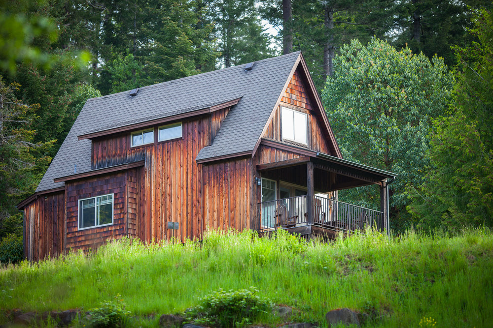 Cottage for sale in BC, Canada